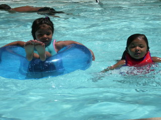 A&K at pool 7-9-07.jpg