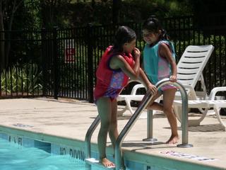 A&K at pool side 7-9-07.jpg