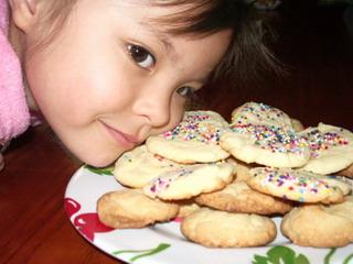 Ayumi with cookies.jpg