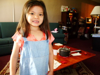 blog 7-5-06Ayumi cut her har 2.JPG