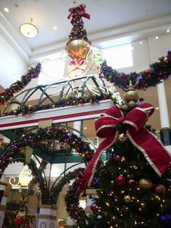 christmas at mall.jpg