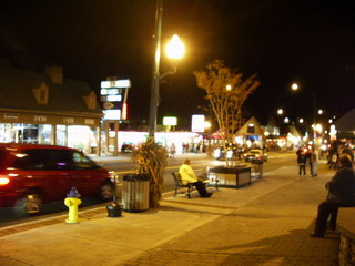 gatilinburg night time.jpg