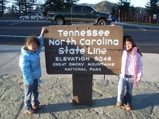 kids at stateline sign.jpg