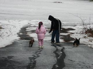 kids in snow 1.jpg