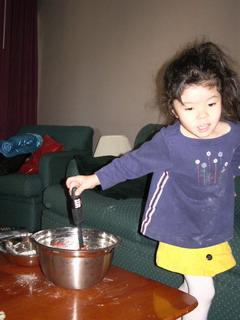 kyoko help making cookies.jpg