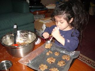 kyoko help making cookies2.jpg