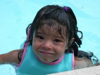 kyoko in the pool 7-9-07.jpg